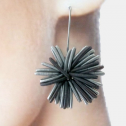 La Molla Earrings Number One Dark
