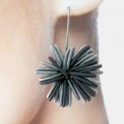 La Molla Earrings Number One Dark