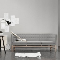 &Tradition Sofa by Arne Jacobsen