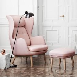 Fritz Hansen Ro Easy Chair Wooden Base