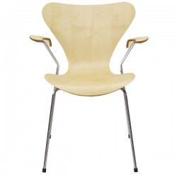 Fritz Hansen Series 7 Armchair Natural Veneer 3207