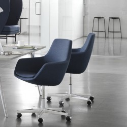 Fritz Hansen Little Giraffe Chair 3221 Swivel Fabric