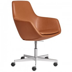 Fritz Hansen Little Giraffe Chair 3221 Swivel Leather