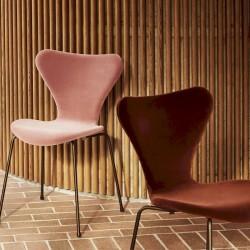 Fritz Hansen Series 7™ Velvet chair