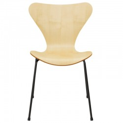 Fritz Hansen Series 7 Chair Lacquered Natural Veneer 3107