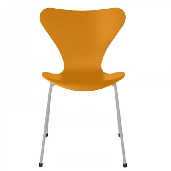 Fritz Hansen Series 7 Chair 3107 Lacquered